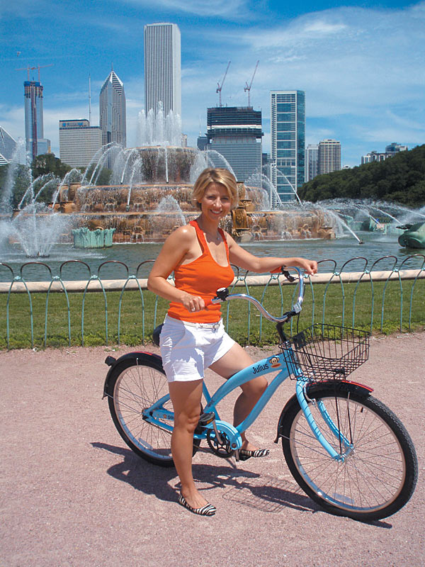 Enjoy the Free Monthly Critical Mass Bike Ride in Chicago – October 30