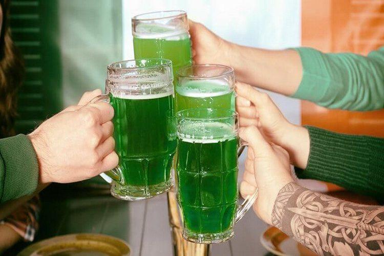 st patricks day chicago green beer