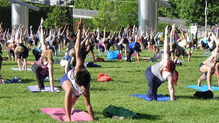 free summer workouts millennium park chicago
