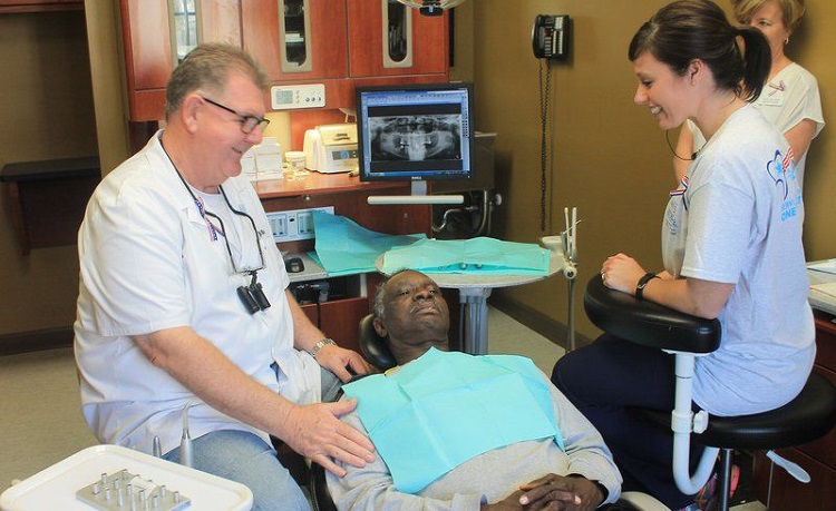 free dental care veterans-day-2