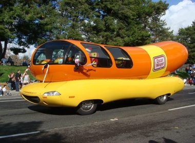 oscar-mayer-weinermobile-06