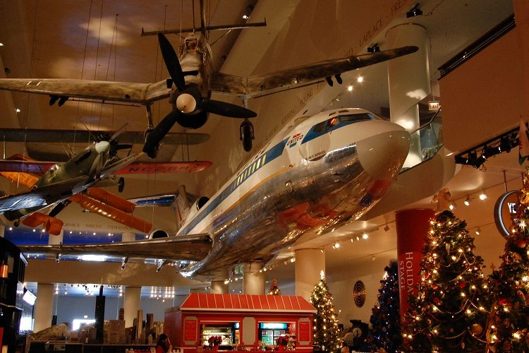 Museum_of_Science_and_Industry_(Chicago)
