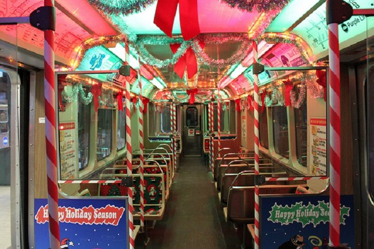 cta_holiday_train-in-chicago-2