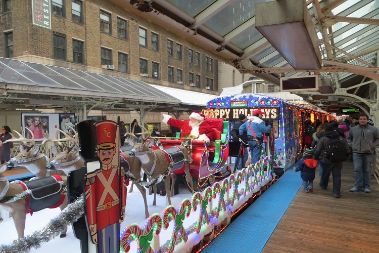 cta_holiday_train-in-chicago-3