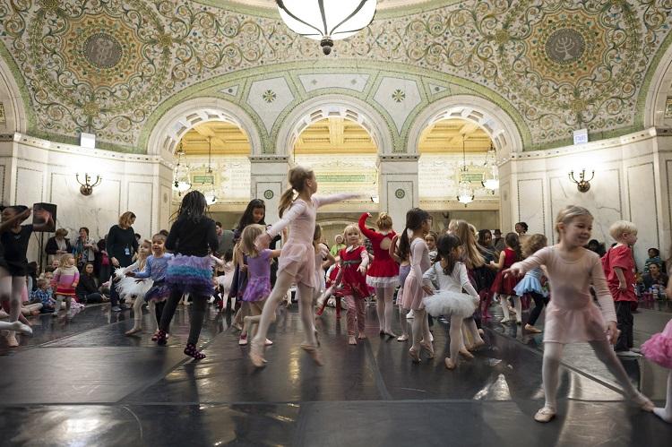free dance along nutcracker chicago
