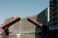 FREE chicago avenue bridge2