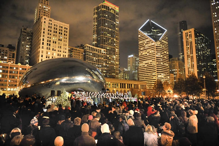 ree caroling at the bean cloudgate chicago